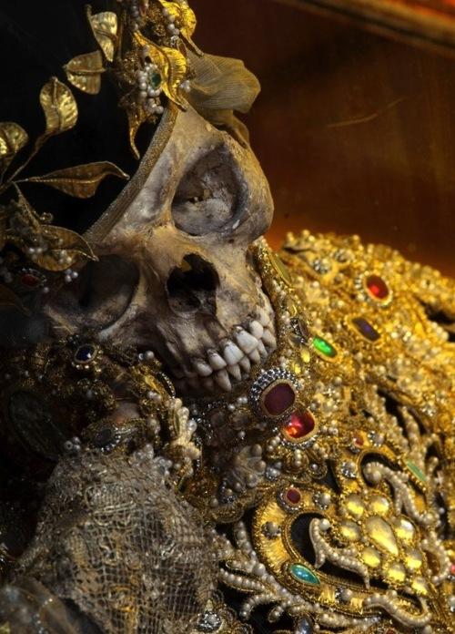 death is it's own treasure.
